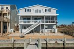 This lovely waterfront home is only 20 min. away from Chincoteage & Assateague.