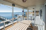 Enjoy some amazing ESVA crabs as you watch the sunset on this awesome screened porch.