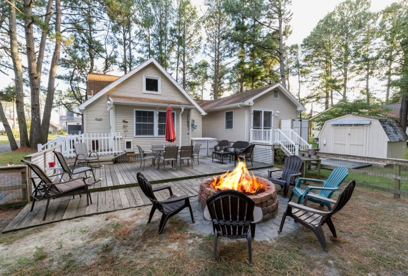 This Gorgeous 3 Bedroom Pet Friendly Vacation Home Is Just Perfect Both Inside Out