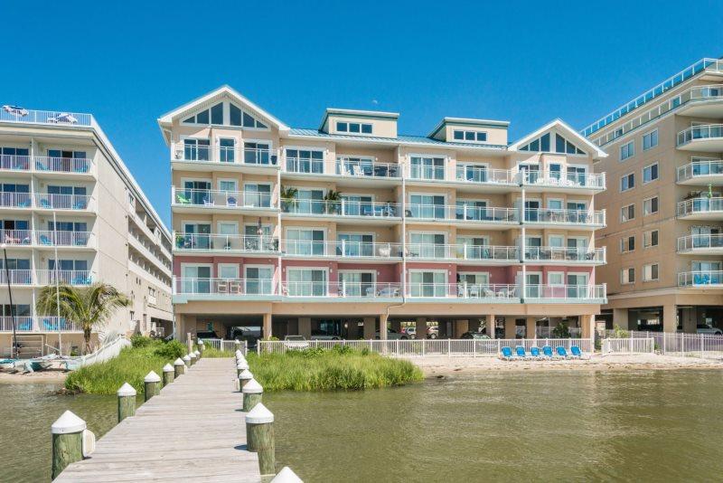 Sunset Beach 301 Is A Stunning 3 Bedroom 2 5 Bath Luxury Condo In Ocmd
