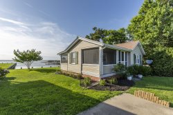 The C-Ray Cottage - An Inspiring Vacation Experience steeped in Chincoteague History!