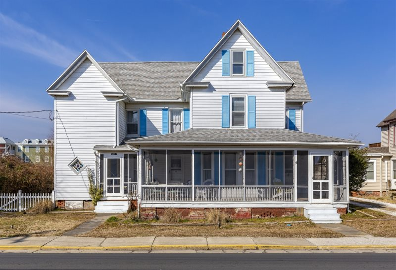 Great White Pet Friendly Vacation Rental On Chincoteague Island