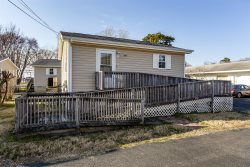 Steve's Cottage 5 - A Charming Handicapped Accessible Chincoteague Island Vacation Cottage