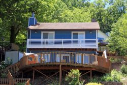 3 Bedroom Home with gorgeous lake views, dock and indoor hot tub-MM 2