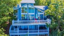 Margaritaville 5 Bedroom Waterfront House with hot tub- 5* reviews