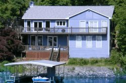 5 bedroom home w Private Dock