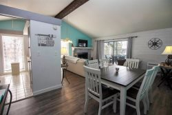 Next to Margaritaville 3 bedroom lakeview home- 5* reviews