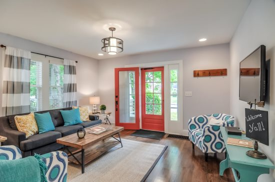 Groovy Stay Local Nashville Vacation Rentals All Stay Local Home Interior And Landscaping Spoatsignezvosmurscom