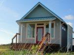 Casa De Playa- Newer home on the water