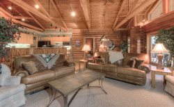 Cozy Log Cabin, Meadow Village, Hot Tub, Stunning Views, Clean!
