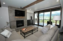 BRAND NEW LUXURY CONDO! Spectacular views, Contemporary rustic, Pool, Hot tub!