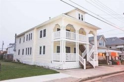 230 Juniper Avenue, Unit 2 in Wildwood