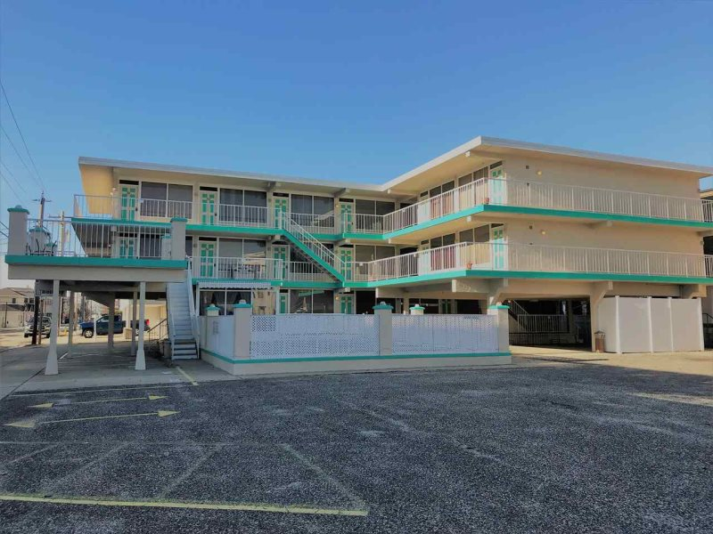 1br And 2ba Condo With Pool At The Beach Holiday