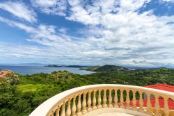 Ocean View Penthouse! View the Pacific and Peninsula of Papagayo! Well appointed 2 bed/ 2.5 bath
