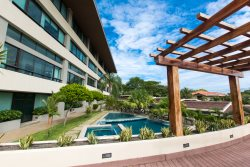 Newly Renovated Ultra Modern Penthouse Condo - El Cubil 8