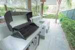 BBQ grill with gas tank