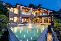 Luxurious, Ocean View Home with Infinity Pool & Bar!!