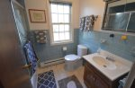 Upper level full bath with tub/shower combo