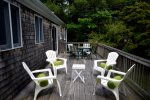 Outdoor dining space - seats 8