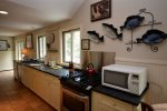 Fully equipped kitchen with gas stove/microwave/dishwasher/toaster