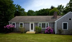 Beach Road Charmer - 5 Minutes to Nauset Beach