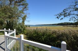 Cove's Edge - Waterfront 4 Bedroom with Beautiful Views