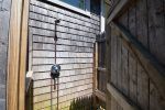 Fully enclosed outdoor shower