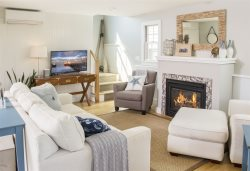 Provincelands Oasis - Gorgeous Newly Renovated Provincetown Condo