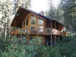 Fabulous Mountain Chalet on the River with All the Amenities you Desire!!