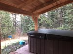 Relax and Enjoy the Private Hot Tub and Woodland Views