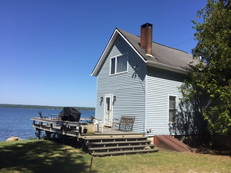 Pleasant Edgewater Summer House Cottage Rentals Home Interior And Landscaping Palasignezvosmurscom