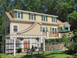 Ogunquit - 4 Bedroom Updated & Beautifully Decorated Home