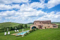 8 Bedroom Traditional Italian Countryside Life