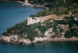 6 Bedrooms on the Top of a Cliff Overlooking the Southern Tuscan Sea