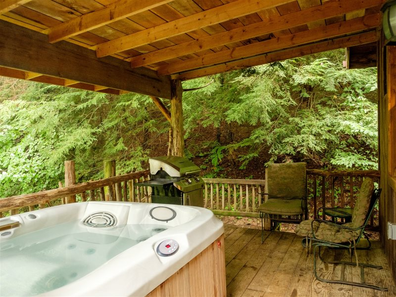 Red River Gorge Cabin Company Butterfly Suite