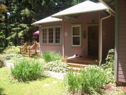Blue Sky Cottage - Now Booking Fall Weekends Pet Friendly