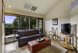 Cute, Cozy & Affordable Country Club Condo W/ Views of Mt. Elden!