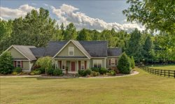 Letter Perfect Farm-10 Minutes to TIEC-Upscale Modern Home
