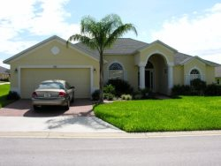Luxury 4 Bed 3 Bath Home with Upgraded Furnishings on Large Corner Plot on Tuscan Ridge, 12-15 Mins From I4, Golf, Supermarkets