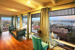 HARBOR VIEW VILLA - SPECTACULAR SWEEPING SAN DIEGO BAY VIEWS, SLEEPS 15