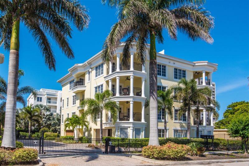 Pleasant Rezrentals Beach Villas At Oasis 304 2 Calle Miramar 304 2 Download Free Architecture Designs Scobabritishbridgeorg