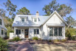 Beautiful Cottage Right Near Tennis Courts! Screened Porch, Fire Pit, Gas Grill