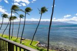 longest beach on Maui with in walking distance