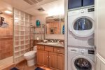 Maalaea Kai 101 Bathroom /Washer & Dryer