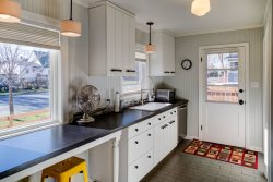 Cozy Bozeman Cottage with all the perks of downtown!