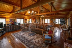 Hyalite View Ranch with private hot tub - New Listing!