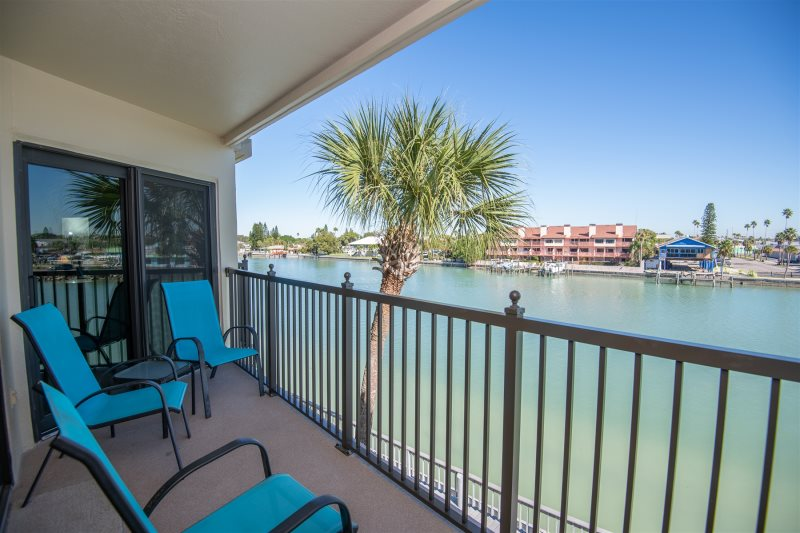 Lands End 305 Waterfront Vacation Rental Condo Sunset