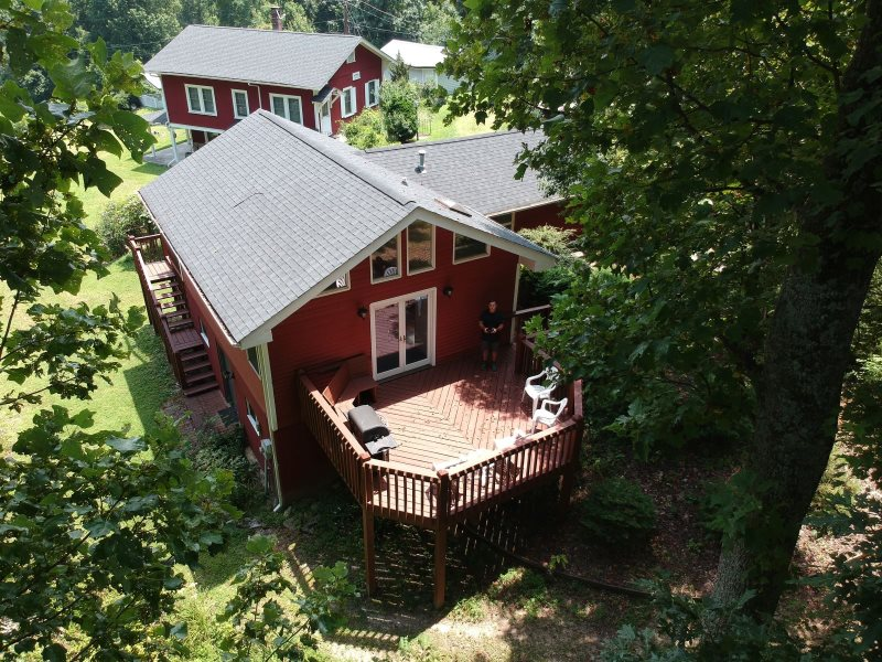 Secluded Vacation House | Mountain Views | Sleeps 4 | King Bed And Futon |  Open Concept |Secluded | Hendersonville | Fire Pit | Gas Grill | Cable TV  And ...