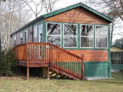 Born Free Cottage, Tiny House at The Village of Flat Rock, NC  Sleeps 4 or more comfortably, short and long term guests welcome.