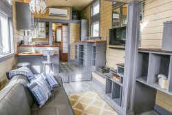 Custom Designed Tiny House - Airy and delightful - View of Pond - Loft - Flat Rock - Hendersonvllle - Asheville